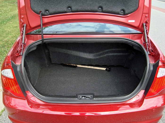 Ford Edge Trunk Dimensions >> Ford fusion cargo space dimensions
