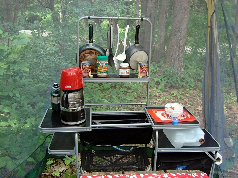 camp kitchen with sink - zitzat