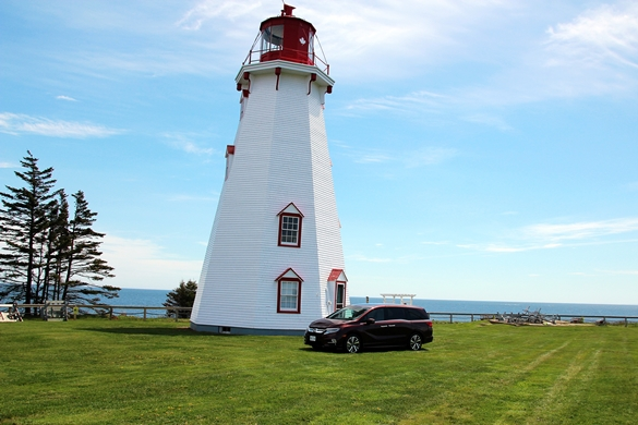 2018 Honda Odyssey at the Panmure Island Lighthouse, PEI. Photo: Eric Novak