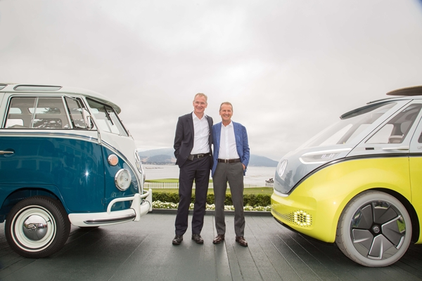 Dr. Eckhard Scholz and Dr. Herbert Diess announce the decision for a series production version.  PHOTO: Volkswagen AG